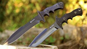 TOP 10 BEST FIXED BLADES SURVIVAL KNIVES!